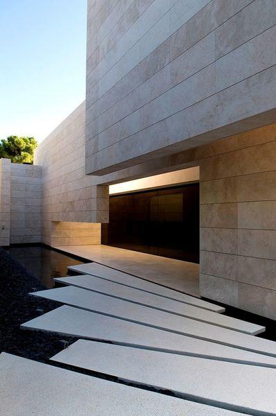 f27eee6c8a2652ee3d0b376e42430c04--marbella-spain-interior-architecture.jpg