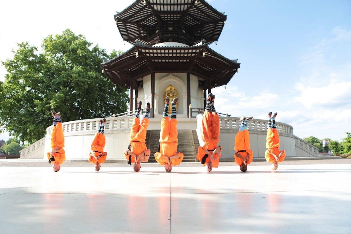 Martial-arts-Headstands-s.jpg