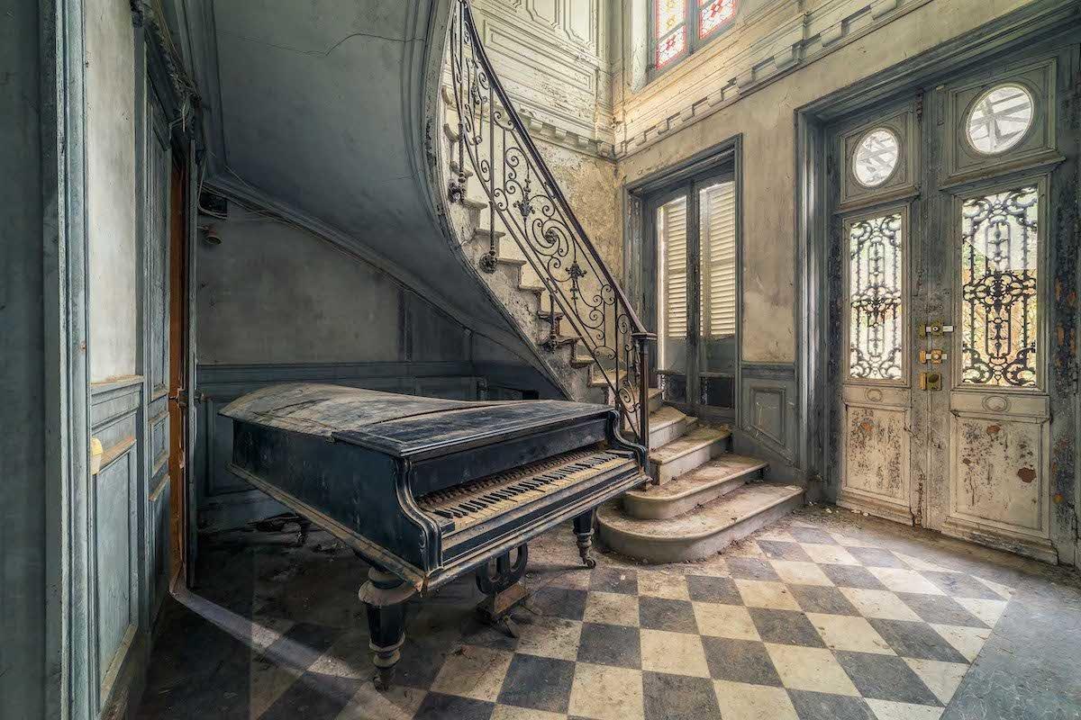 michael-schwan-abandoned-places-6.jpg